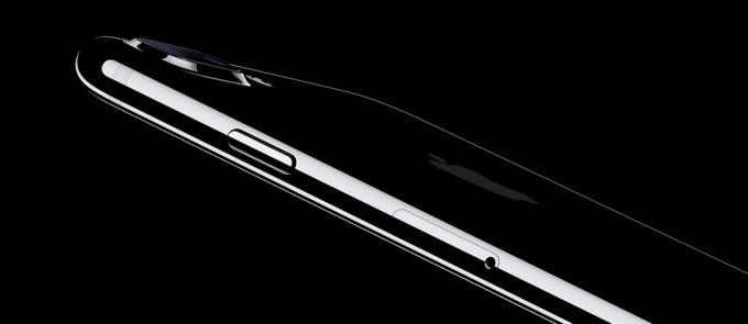 iphone7-jet-black-hero