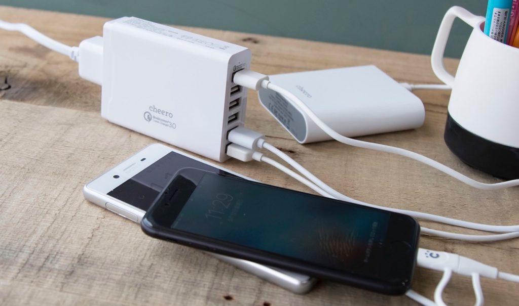 cheeroの6ポートUSB急速充電器「6 USB AC Charger」。