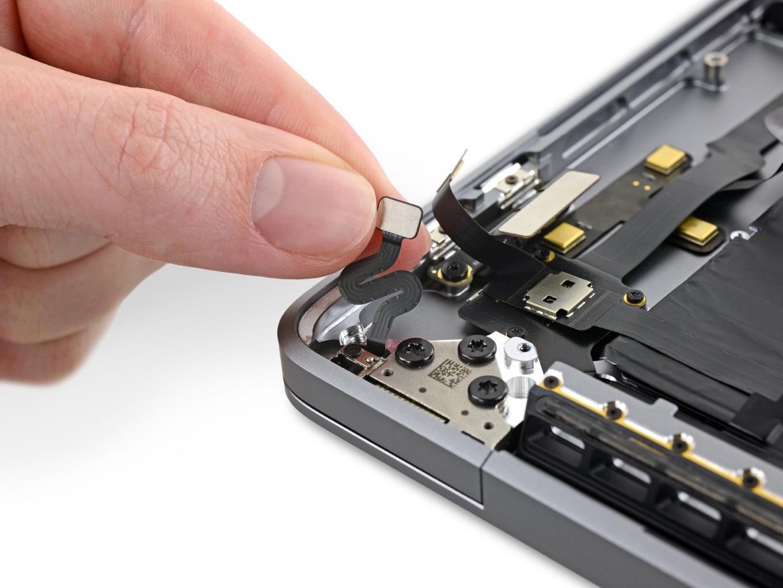 MacBook Pro (16-inch, 2019)の開放角センサー